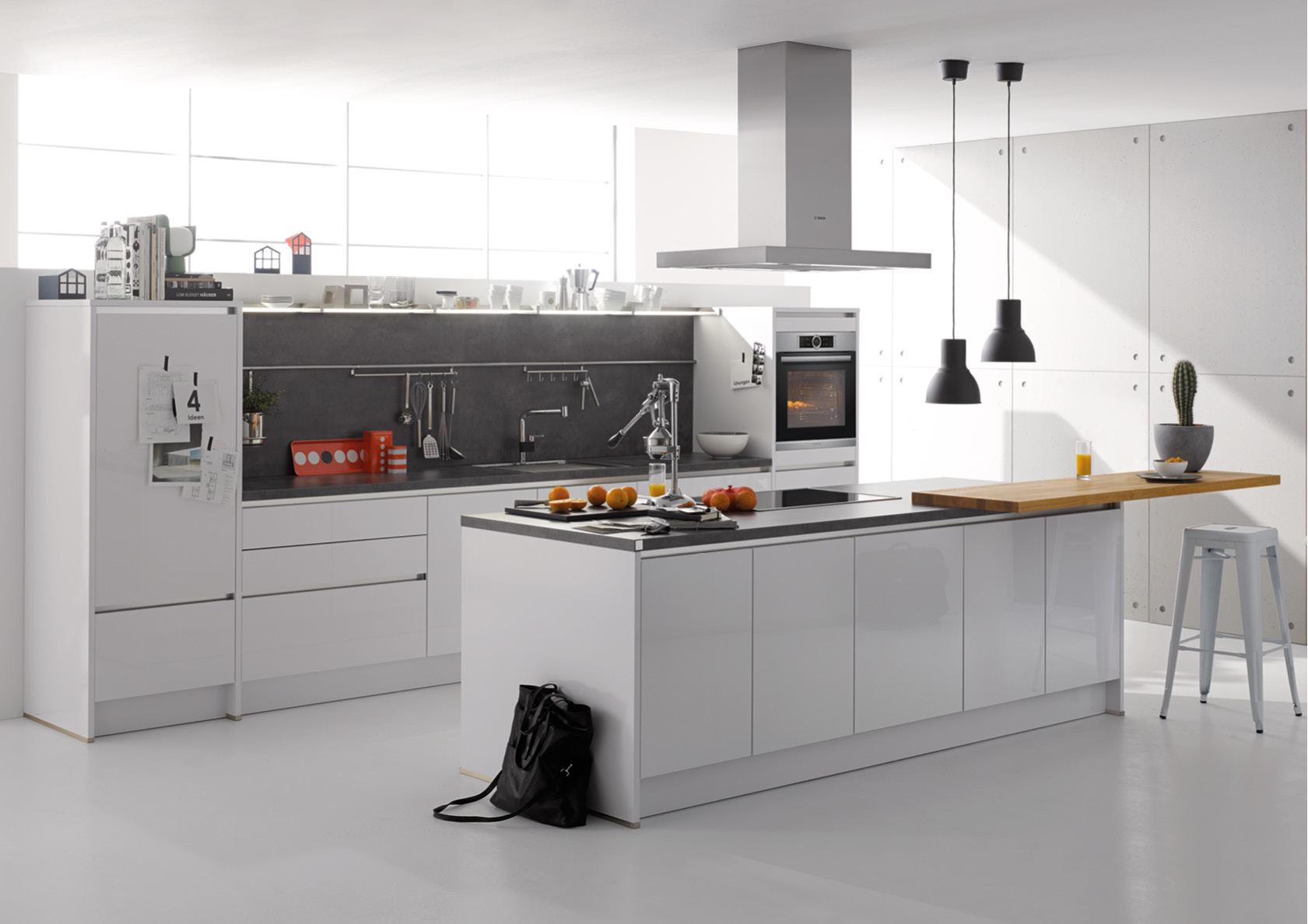 Küchen - Brand & Co. Gf.: Heide Wienewski in Extertal